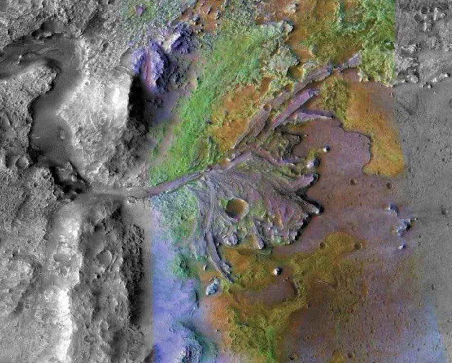 Delta fluvial en el cráter Jezero, donde antiguamente un río surco el Planeta Rojo.