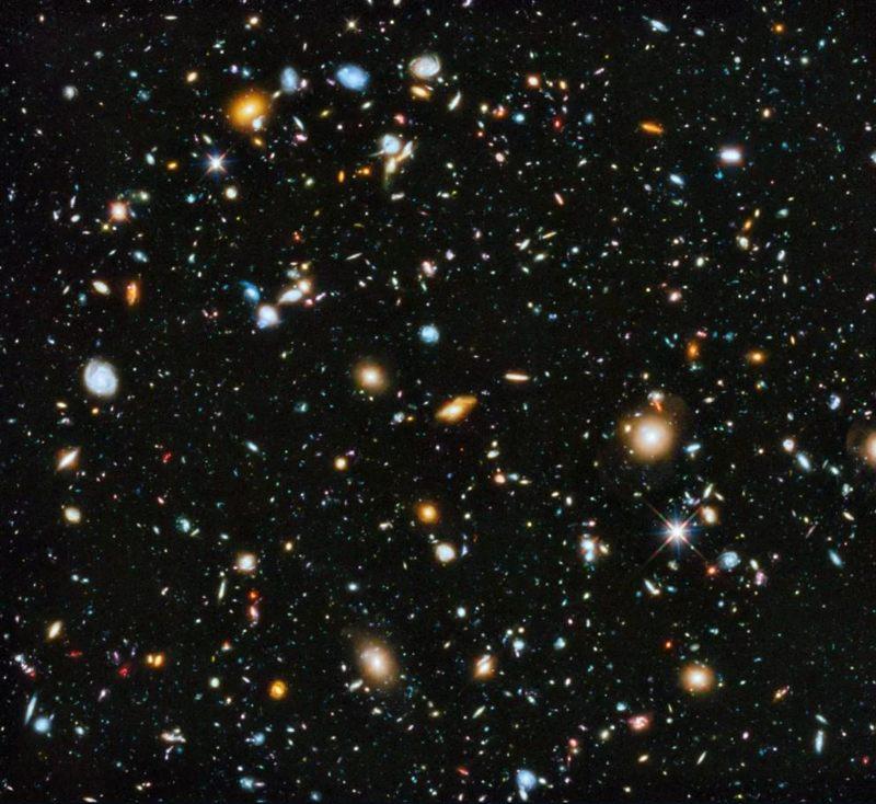 Vista colorida del Universo visto por Hubble en 2014