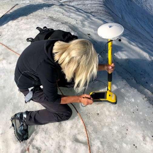 Gunhild Ninis Rosqvist mide el pico sur de Kebnekaise
