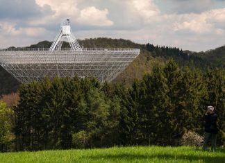 Detectan docenas de señales repetitivas provenientes del espacio profundo