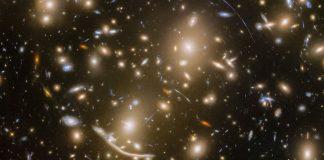 Hubble revela miles de galaxias ocultas en una sola fotografía