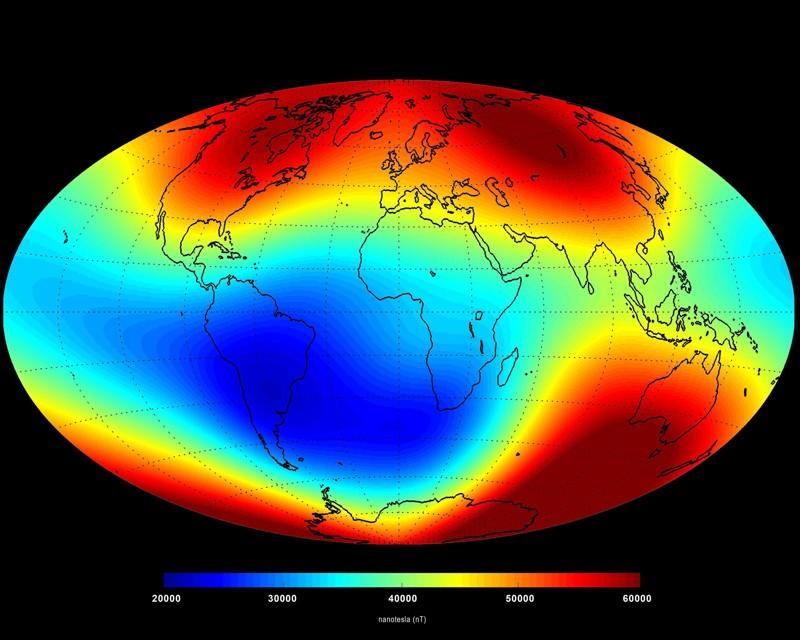 El campo magnético de la Tierra se ha debilitado en el Atlántico Sur (región azul)