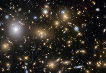 Científicos calculan cuánta luz estelar ha producido el universo