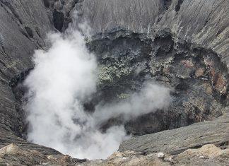 Hallan un cráter gigantesco causado por un meteorito bajo el hielo de Groenlandia