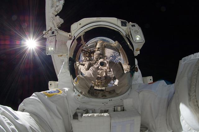 Viaje espaciales hacen que los virus «resuciten» dentro de los astronautas