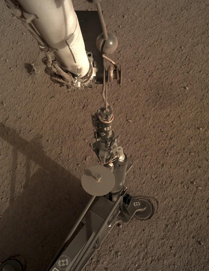 El instrumento de perforación HP³ de la sonda InSight
