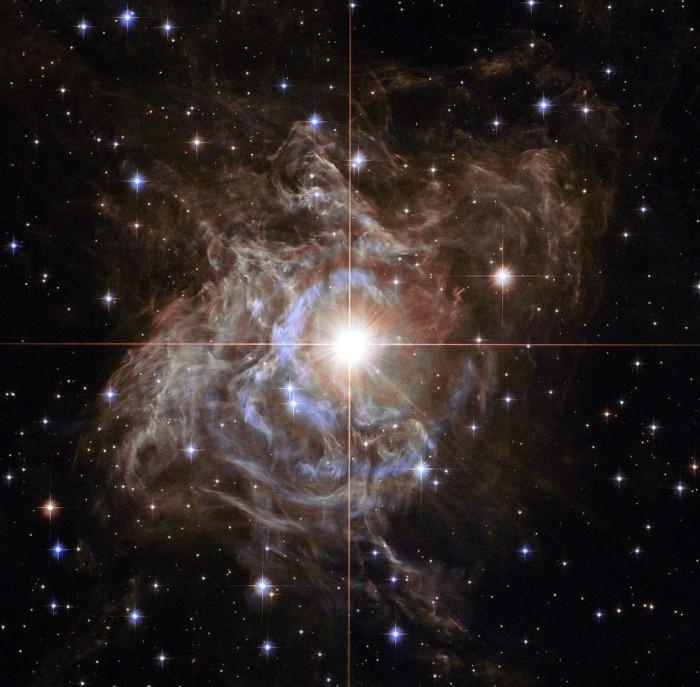 Una Cefeida en la Vía Láctea, RS Puppis, a través del Telescopio Espacial Hubble