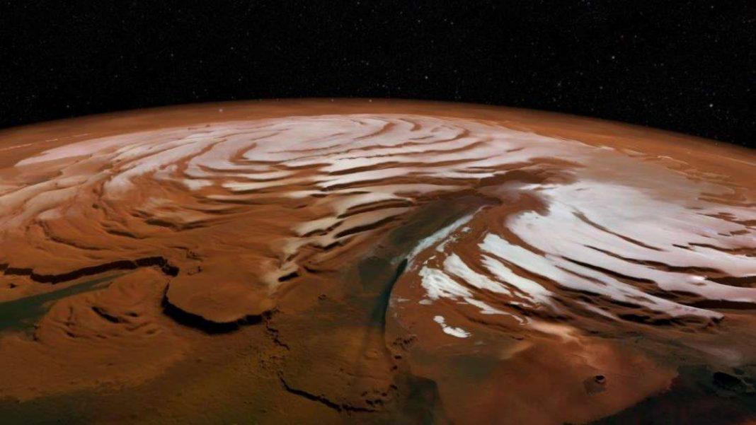 Hallan varios casquetes de hielo enterrados bajo el Polo Norte de Marte