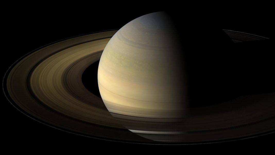 Cassini revela una nueva estructura en los anillos de Saturno