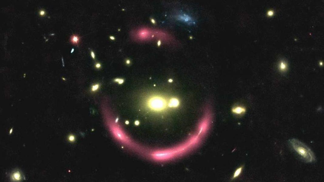 MUSE revela un brillante anillo de luz en el universo distante
