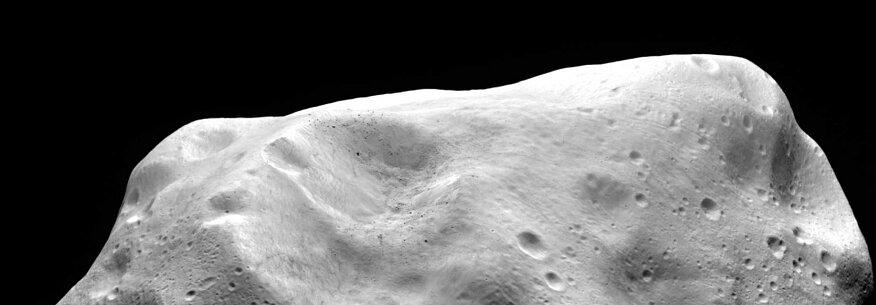 El asteroide YB35 voló con seguridad por la Tierra el 27 de marzo de 2014, fue visto por la NASA y observado por el Observatorio Goldstone el 20 de marzo de 2015. En este día, se esperaba que el asteroide estuviera en una posición óptima para que el observatorio pudiera obtener imágenes de radar