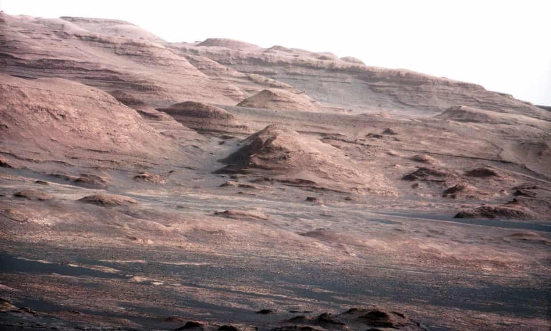 Marte es frío, seco y bombardeado por la radiación, y su suelo contiene sustancias químicas potencialmente tóxicas