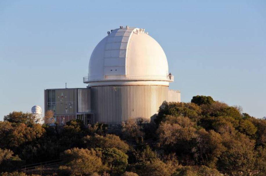 El telescopio de 2.1 metros en el Observatorio Nacional de Kitt Peak