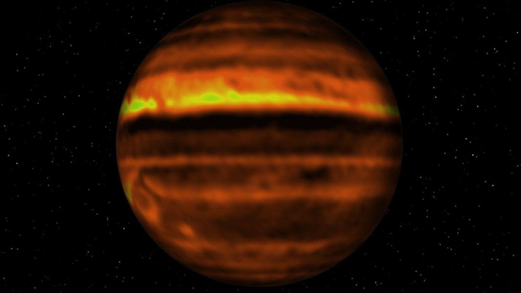 Algo extraño está sucediendo dentro de las tormentas turbulentas de Júpiter