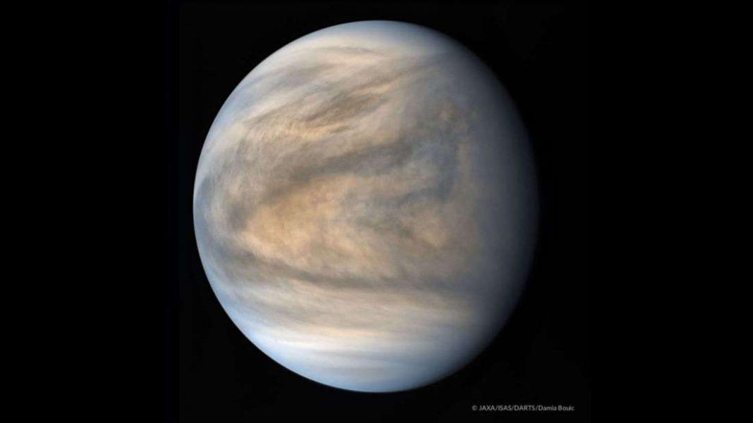 Detectan patrones extraños en las nubes de Venus que están afectando su clima