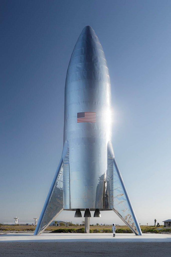 Elon Musk presenta la nave que irá a Marte y que volará en 2019